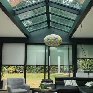 Construire un salon dans une extension toit plat