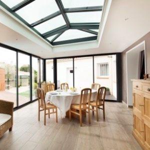 Construire une salle à manger dans une extension toit plat